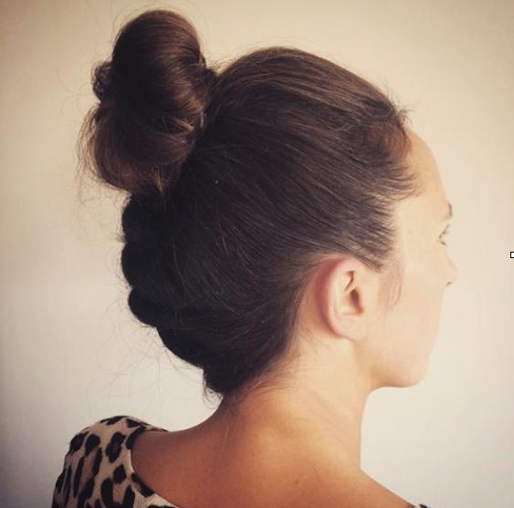 Peinados de moda en tres minutos para prevenir piojos y liendres