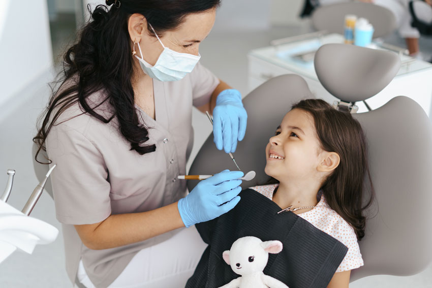 Primera visita al dentista y salud bucal inicial